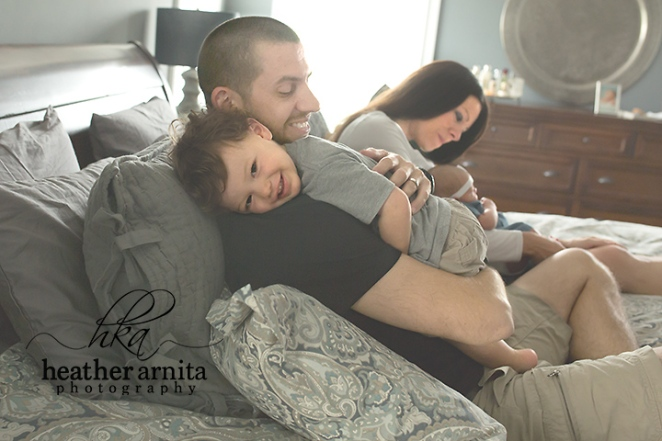 family lifestyle session lewis center ohio family little boy hugging dad
