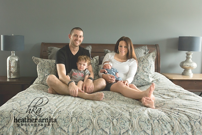family lifestyle session lewis center ohio family on the bed