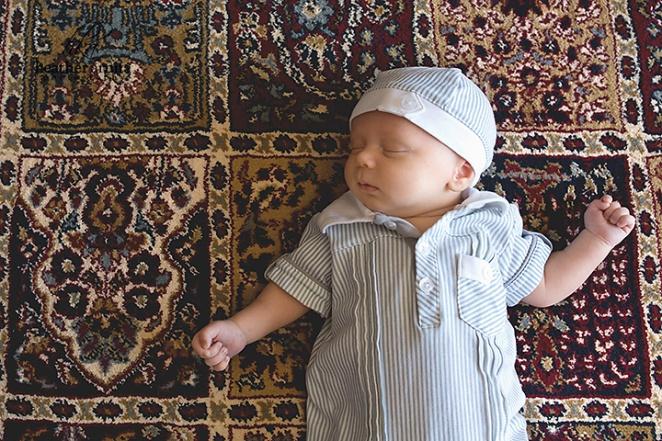 columbus ohio newborn photography baby asleep on floor