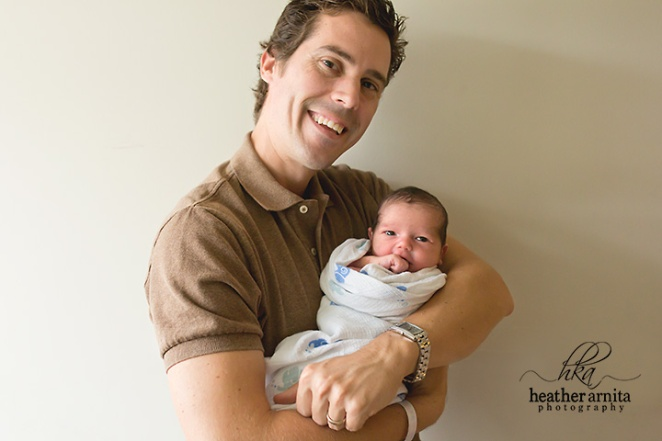 Heather Arnita Photography Fresh 48 session dad and baby smiling