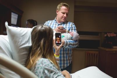 columbus-ohio-birth-photography-meeting-grammy-full