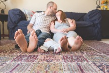 columbus-ohio-lifestyle-photography-family-feet-full