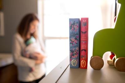 columbus-ohio-newborn-lifestyle-photography-nursery-books-full